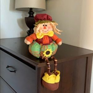 Fall scarecrow shelf sitter